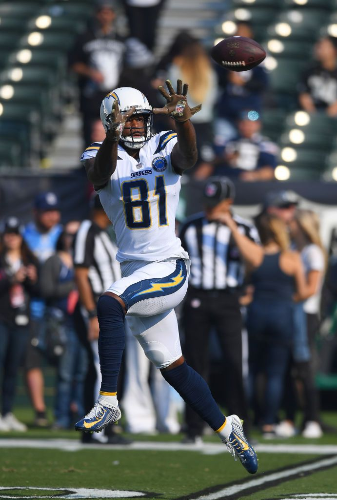 Mike Williams Of The Los Angeles Chargers Warms Up During Pregame Los Angeles Chargers Mike Williams Chargers Football