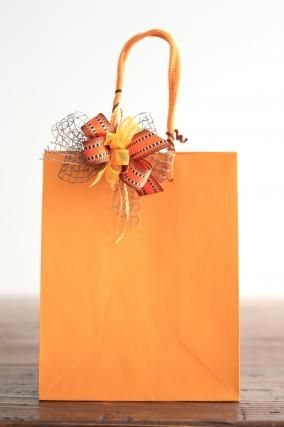 「紙袋を使用したラッピング」お菓子教室SweetRibbonが提案する簡単かわいいお菓子ラッピング | お菓子・パンのレシピや作り方【corecle*コレクル】