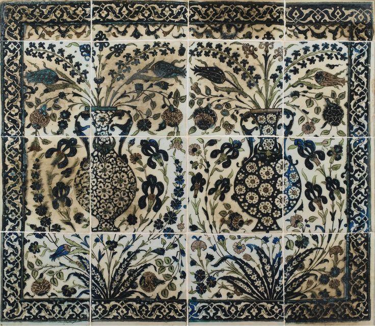 Panneau composé de seize carreaux de revêtement en céramique, Syrie, Damas, art ottoman, XVIème siècle   Lot   Sotheby's( Paris,26 10 2014 )
