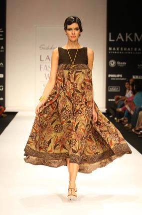 Kalamkari in its New Avatar ! Celebrated for centuries the art of hand painting with vegetable dye. LOVE it !