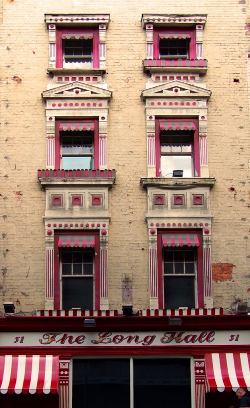 Love this pub, great place for a pint in Dublin. Never noticed the upper windows before...