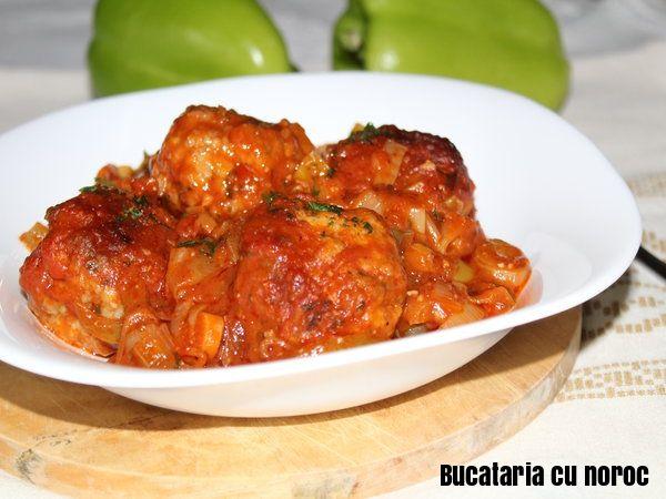 Chiftele marinate in sos de praz si ardei - Bucataria cu noroc