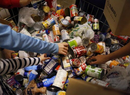 food pantry tuesday with the help of the north texas food bank and the