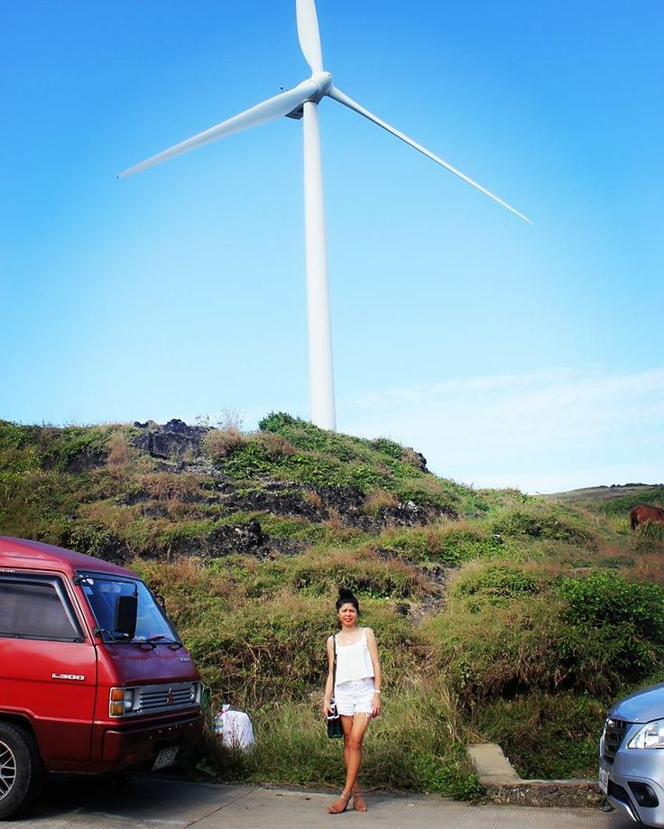 When the winds of change blow... build windmills #windmills #burgoswindfarm #pagudpud #ilocos  #itsmorefuninthephilippines #tarasanorte #turbine #greenenergy