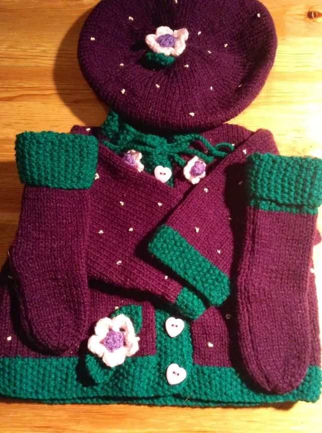 Pretty knitted baby blackberry set £20.00