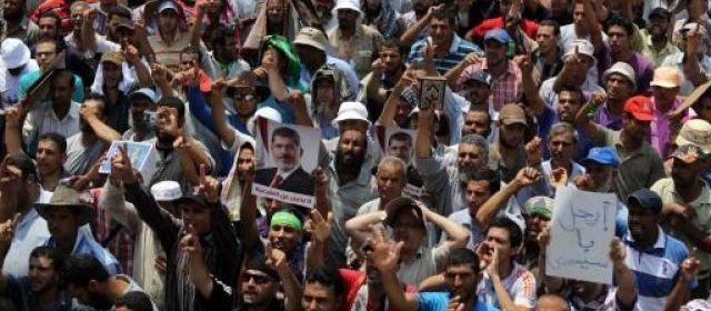 """Egypte: 50 morts, les Frères musulmans appellent au """"soulèvement"""""""