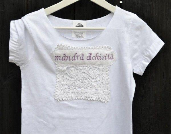 T-shirt by Mândră Chic  #ProudRomanian
