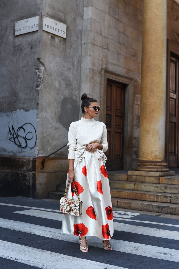 FASHIIONCARPET. White lace up sweater+white Flower Print maxi Skirt+ ivory lace up pep toes+ivory floral Gucci Dionysus Bag+round sunglasses. Fall Transitional Outfit 2016