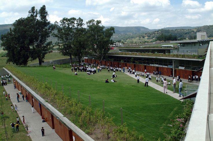 Gallery of Liceo Franco Mexicano / Alberto Kalach - 9