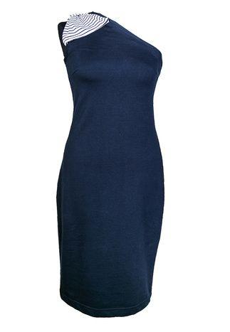 One-shoulder jurk blauw met strik - Designed by Marjolein Elisabeth Een klassieke asymmetrische jurk met feestelijke strik op de schouder