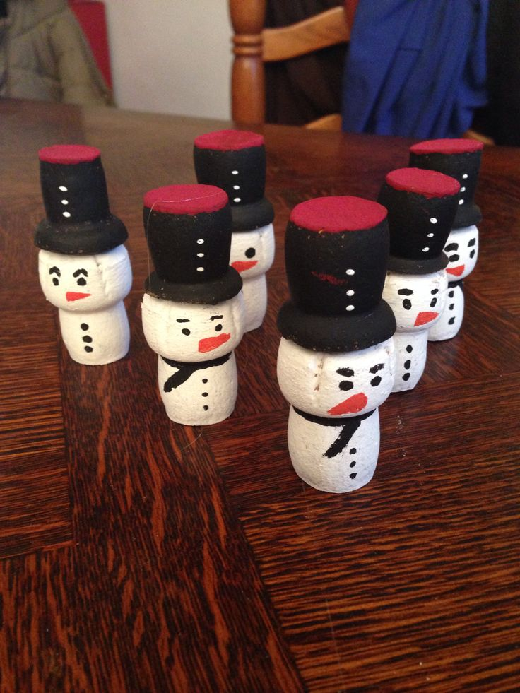 ... champagne  Bricolage avec bouchons  Pinterest  Champagne and Noel