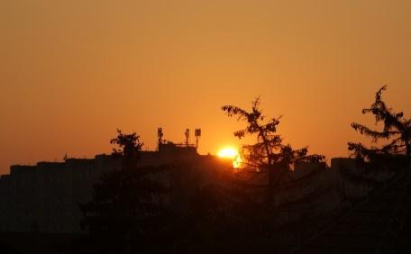 Ismét Naplemente, Again Sunset