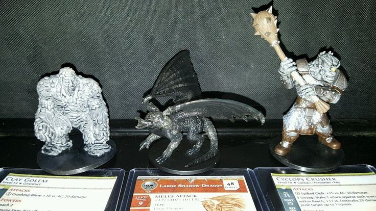 Dungeons and Dragons miniatures lot of 39, large shadow dragon, clay golem