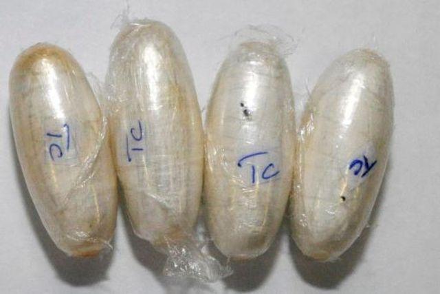 16.02.15 / Deux dealers interpellés à Lausanne / Drogue. En deux ans, les deux trafiquants nigérians de 26 et de 34 ans ont écoulé plus de 4 kilos de cocaïne / Coup double pour la brigade des stupéfiants de la Police judiciaire de Lausanne, qui annonce ce lundi l'arrestation deux ressortissants nigérians pour trafic de drogue. En deux ans, entre 2011 et 2013, les deux hommes ont écoulé plus de 4 kilos de cocaïne.