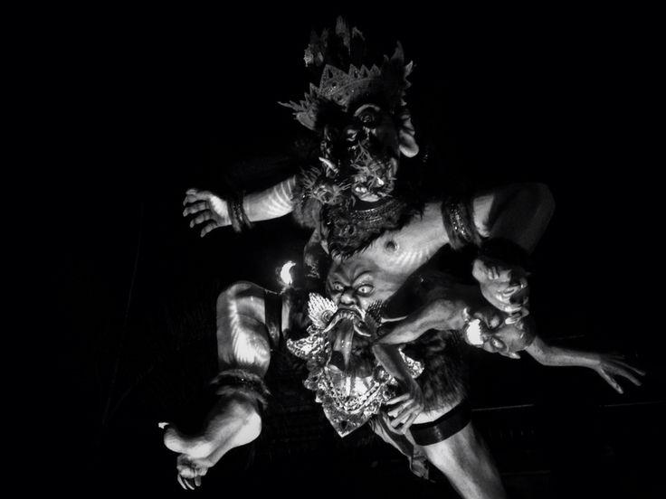 Ogoh-ogoh adalah karya seni patung dalam kebudayaan Bali yang menggambarkan kepribadian Bhuta Kala. Dalam ajaran Hindu Dharma, Bhuta Kala merepresentasikan kekuatan (Bhu) alam semesta dan waktu (Kala) yang tak terukur dan tak terbantahkan.  Dalam perwujudan patung yang dimaksud, Bhuta Kala digambarkan sebagai sosok yang besar dan menakutkan; biasanya dalam wujud Rakshasa.
