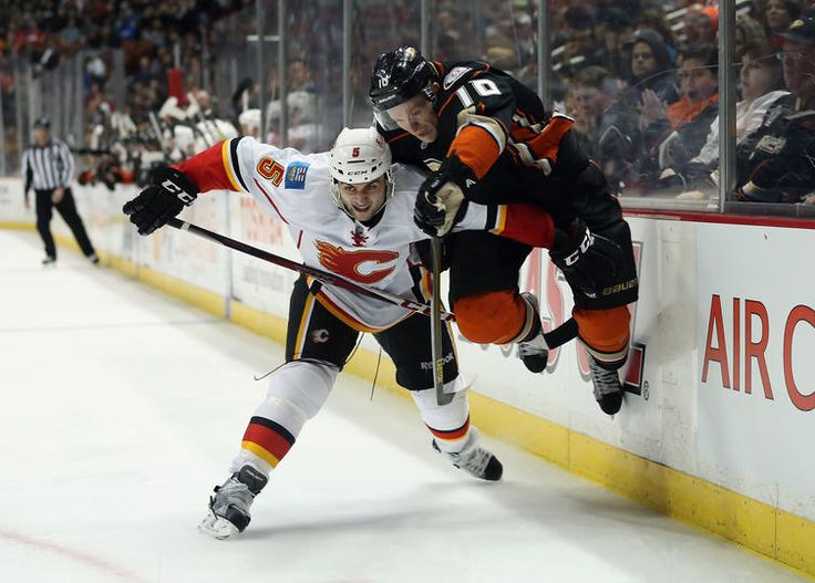 2015 Stanley Cup Playoffs: Flames vs Ducks & Blackhawks Move On - http://movietvtechgeeks.com/2015-stanley-cup-playoffs-flames-vs-ducks-blackhawks-move-on/-Saturday's results from the 2015 NHL Stanley Cup playoffs saw two teams advance to the second round. Two more may join them by the end of Sunday as there are two pivotal game sixes scheduled for April 26th.