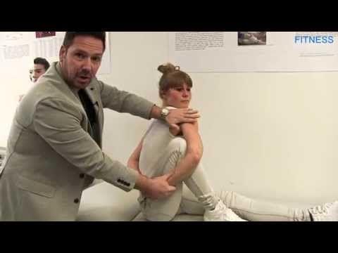 Dehnübung: Verspannungen zwischen Schulterblättern - YouTube
