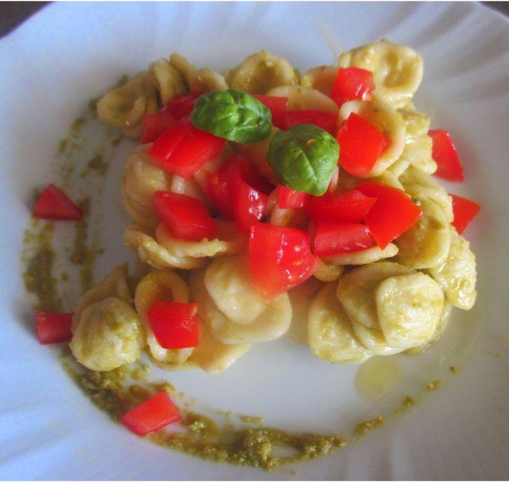 FORNELLI IN FIAMME: ORECCHIETTE WITH ASPARAGUS SAUCE AND FRESH TOMATO - Orecchiette con salsa di asparagi e pomodoro fresco