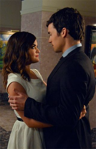 Pretty Little Liars - Tour to get all the Ezria and Spoby scoop we could wring out of them -- and, per usual, we've got good news and bad news.