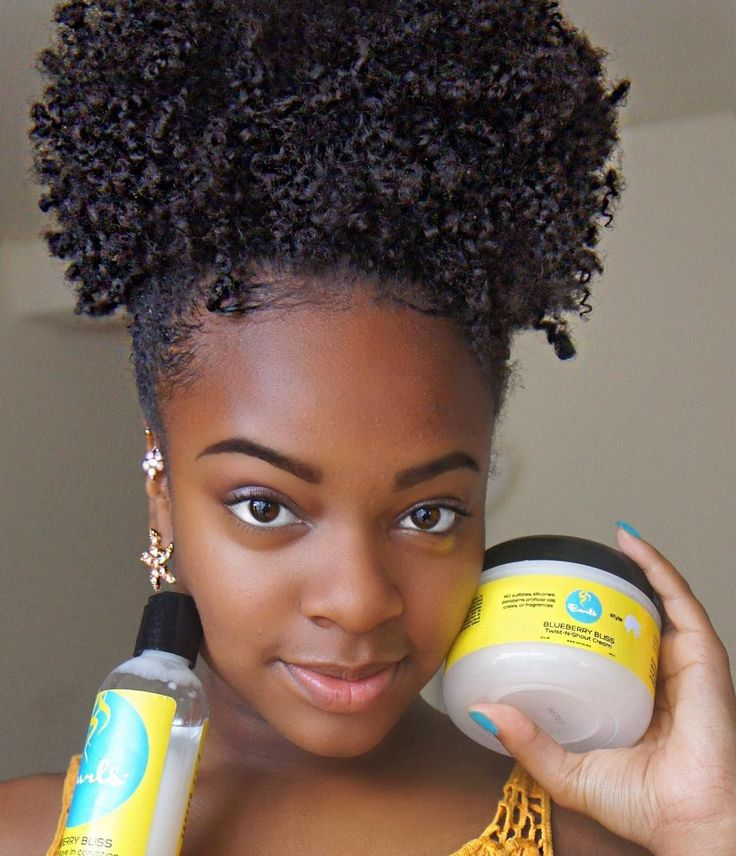 """My hair day was perfect ! I loved @Frizzfreecurls new leave In and in conjunction with there twist n shout cream it left my hair very defined. And they…"""