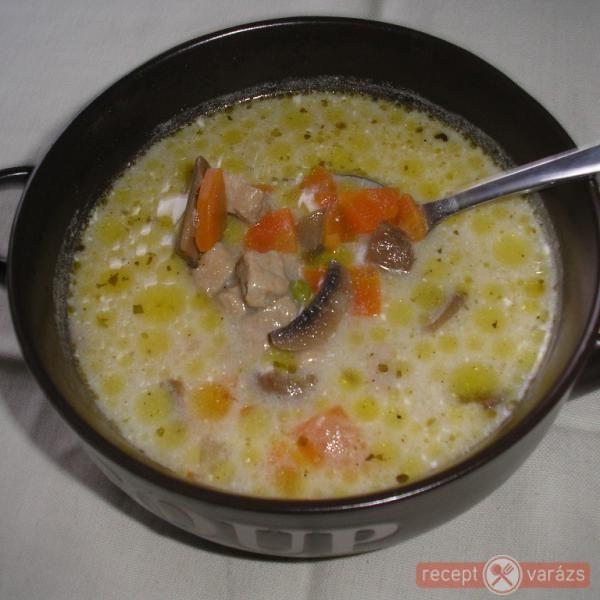 Tárkonyos sertésragu leves