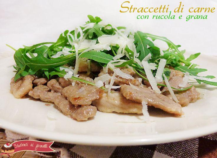 Straccetti di carne con rucola e grana, un secondo facile e veloce da preparare, per servire la carne in maniera sfiziosa che non sia la solita fettina..