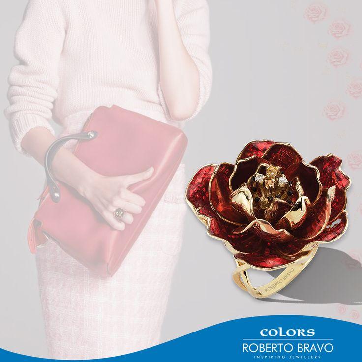 Kış günlerinde içinizi tarzınızla ısıtın. // Keep warm with your style in cold winter days. // Даже в холодные зимние дни вы можете сохранить свой индивидуальный стиль.  #RobertoBravo #RB #Inspiring #Jewellery #Diamond #Gold #Stylish #Trend #Shopping #Style #Fashion #Love #Jewelry #Extraordinary #Marsala #Awsome #Colors #Woman