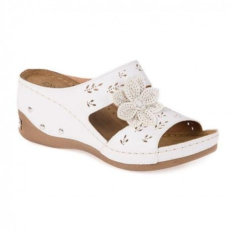 Pavers, Anatomic Wedge Mule with Beaded Flower, SS46671