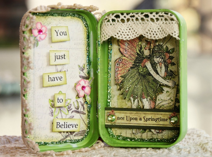 altered Altoid tin, this is just too cute.