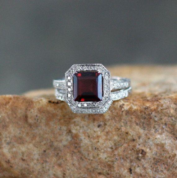 Garnet Diamond Antique filigree ring band Set by WanLoveDesigns. Beautiful Garnet ring