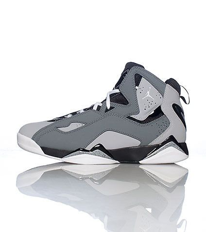 JORDAN Zoom Air cushioning system for comfort Durable, traction-patterned  rubber outsole Classic Jumpman