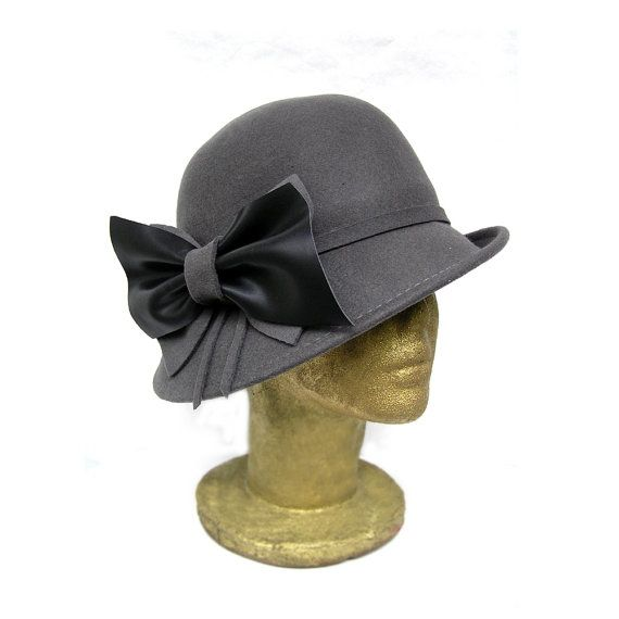 Grey Wool Felt Cloche Hat vintage style with by curtainroad