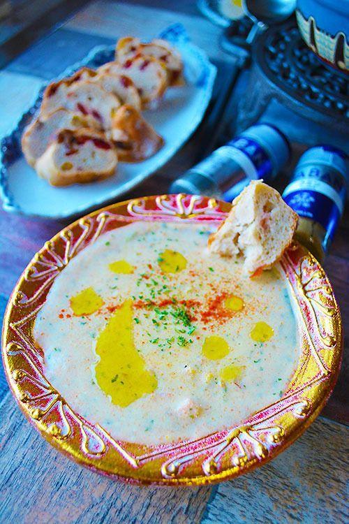 キャンベルのクラムチャウダー缶を使ったアレンジレシピ☆9選 - macaroni ▶3、 身体目覚めるクミンとタイムの牛蒡チャウダー