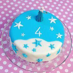 Geburtstagstorte Elsa Frozen Eiskönigin Fondant Torte Schnee Sterne blau weiß