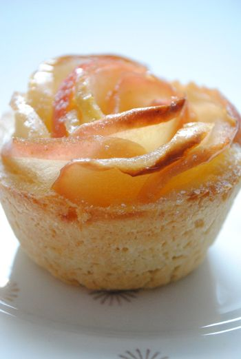 shortcrust pastry with apple rose