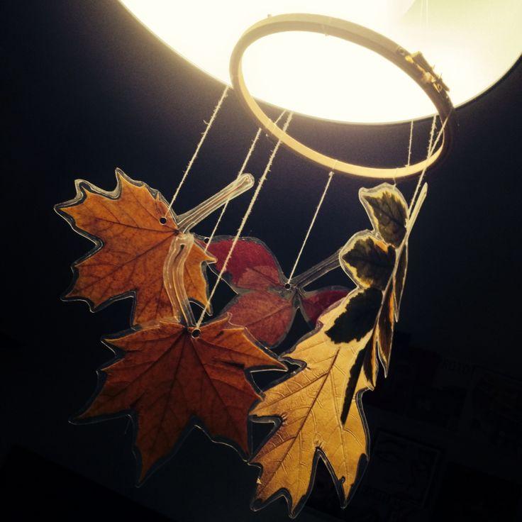 Fall leaves hanger