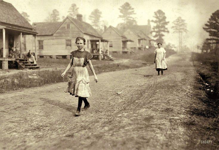 Hine, Lewis (1874-1940) - 1913 Working Girl, Kosciusko Cotton Mill, Mississippi