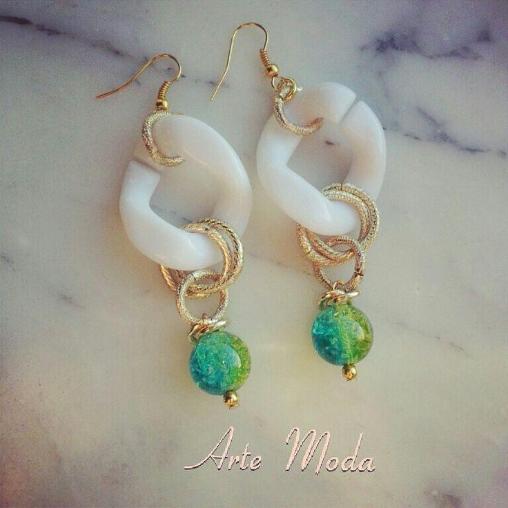 Modello Summer. .meno lunghi degli altri e solo con pietre verde/azzurro. ..#earrings#bijoux#handmade#madeinitaly#jewelry#modaitaliana#trendy#love#summer#fashion#followme..x info:patriceartemoda@gmail.com