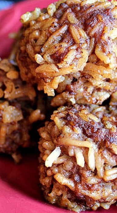 Porcupine Meatballs - made with ground beef and beef rice-a-roni ❊
