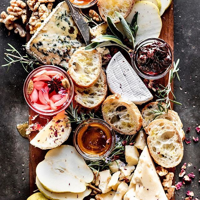 The Most Epic Vegetarian Cheeseboard From Shortgirltallorder Cheeseboard Vegtariancheeseboard Cheeseboa Vegetarian Cheese Boards Food 52 Buzzfeed Tasty