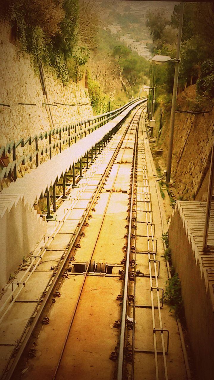 20/03/2015 Funicular Vallvidrera, Barcelona, Tibidabo by Luz Divina Balihar #barcelona #vallvidrera #funicular #train #orange #brown #tibidabo