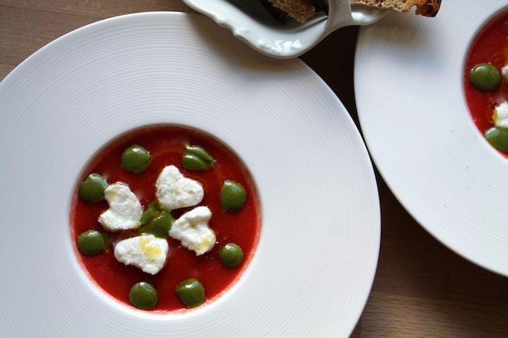 Gelée de tomate, mozzarella di bufala et coulis de basilic (tomate-mozza revisitée)