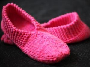 Mes premiers chaussons en tricot - par pour occuper les doigts