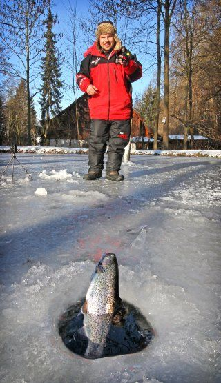 Eisangeln am Forellensee | Icefishing on a trout lake