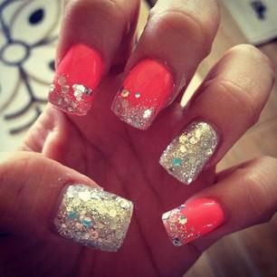 Fall 2013 Fashion Trends Red Nail Polish With Chunky Gold Glittery Tips Super Cute Manicure
