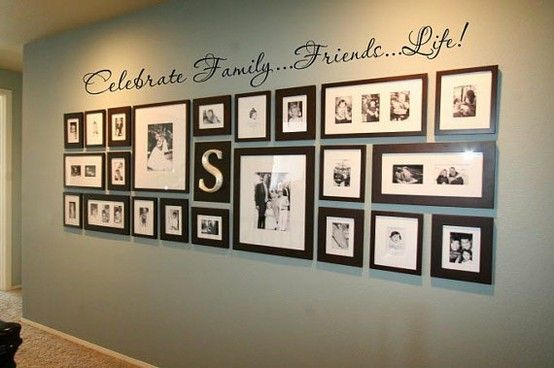 Love it!: Idea, Photos Collage, Galleries Wall, Photos Wall, Families Photos, Photos Display, Frames Collage, Pictures Frames, Pictures Wall