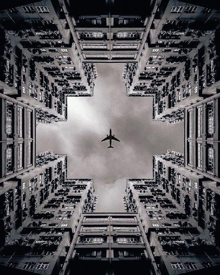 http://www.keblog.it/wp-content/uploads/2016/01/simmetria-architettura-symmetrical-monsters-04-700x875.jpg