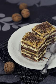Pasiune pentru bucatarie: Prajitura cu nuci, ciocolata si crema de unt