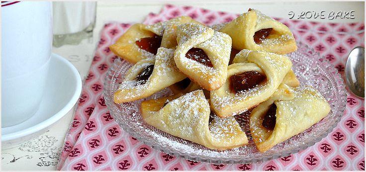 Kołaczki to od dzisiaj moje ulubione ciasteczka, gdyby coś się zmieniło poinformuję Was o tym fakcie;p. Smak jest nie…