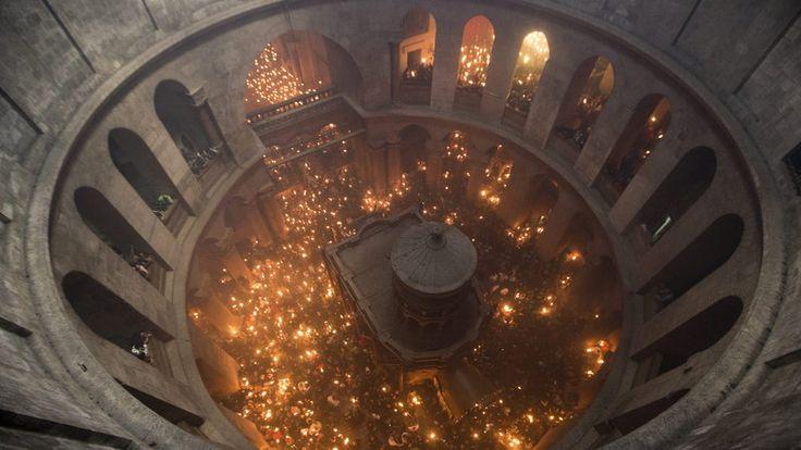 """FOCH: Święty Ogień zstąpił do wiernych. """"Największy cud""""..."""
